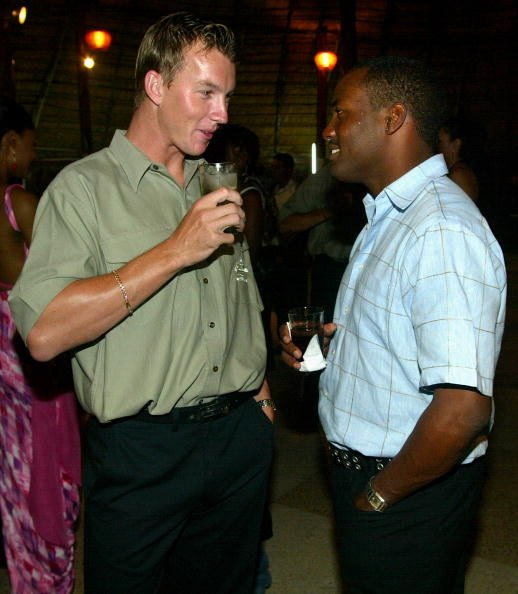 Brett Lee chats with Brian Lara