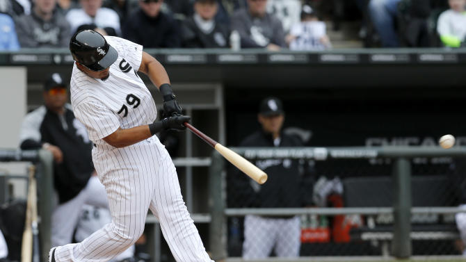 De Aza hits 2 HRs as White Sox beat Twins 5-3