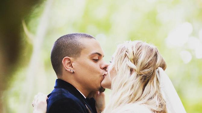 Ashlee Simpson at Hospital to Give Birth to Baby No. 2