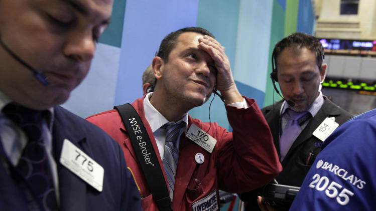 Market waits for election; earnings disappoint