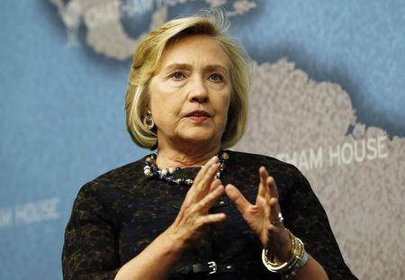 Democrats, State Department defend Hillary Clinton over email flap