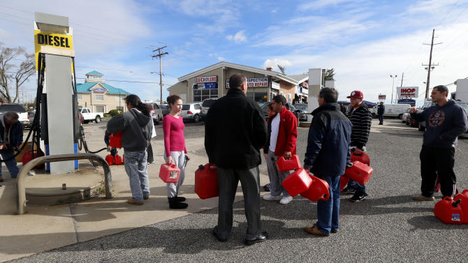 Lines at East Coast gas stations steam commuters