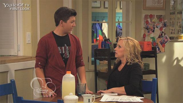 'Good Luck Charlie' Exclusive: Bug Story