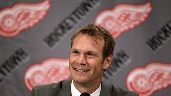 Detroit Red Wings captain Nicklas Lidstrom of Sweden announces his retirement during a news conference in Detroit, Thursday, May 31, 2012. Lidstrom retires after a 20-season career.  (AP Photo/Carlos Osorio)