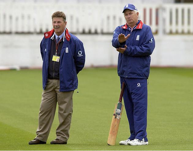 Rodney Marsh (L), one the England selectors, chats with Duncan Fletcher