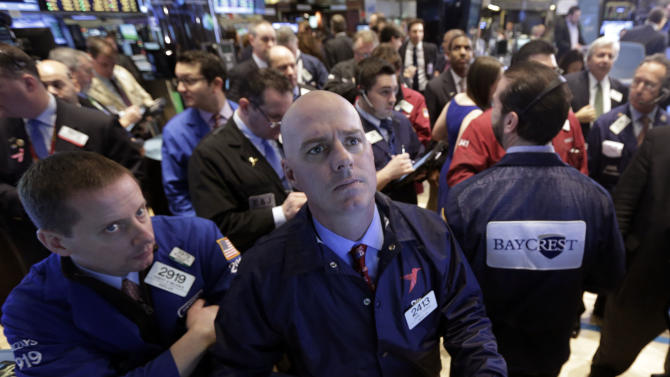Stocks fall on US earnings, weak China report
