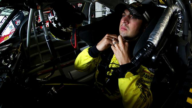 Hornish misses win but relishes points lead