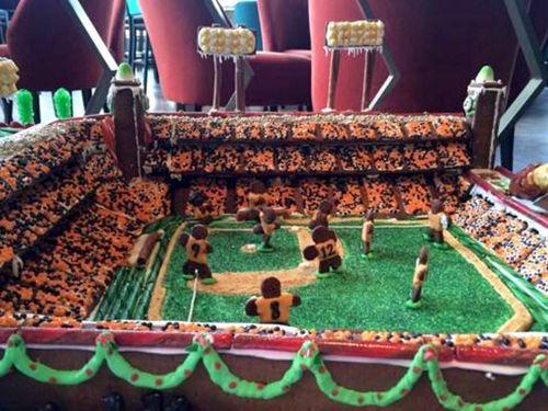 Victory Is Sweet: This Gingerbread Replica of AT&T Park Is Mad Yum