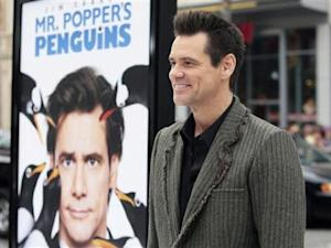 """Actor Jim Carrey arrives for the premiere of the film """"Mr. Popper's Penguins"""" in Hollywood"""