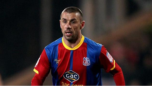 Premier League - Phillips gets new Palace deal just days before 40th birthday