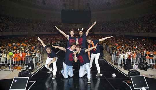 Shinhwa Successfully Completes Japanese Concerts for Grand Tour