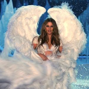 The Victoria's Secret Fashion Show (Sneak Peek 1)