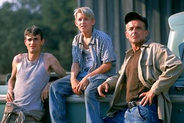 Luke Edwards , Shaun Fleming and Ray Wise in MGM's Jeepers Creepers 2