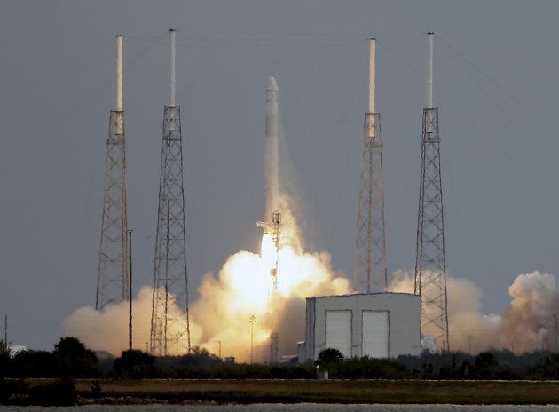 The Falcon 9 SpaceX rocket lifts off from launch complex 40 at the Cape Canaveral Air Force Station in Cape Canaveral, Fla., Friday, March 1, 2013. The rocket is transporting the Dragon capsule to the