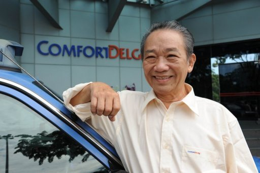 Driver Sia Ka Tian was shocked to find Sg$1.1 million ($900,000) in a black paper bag on the back seat of his taxi