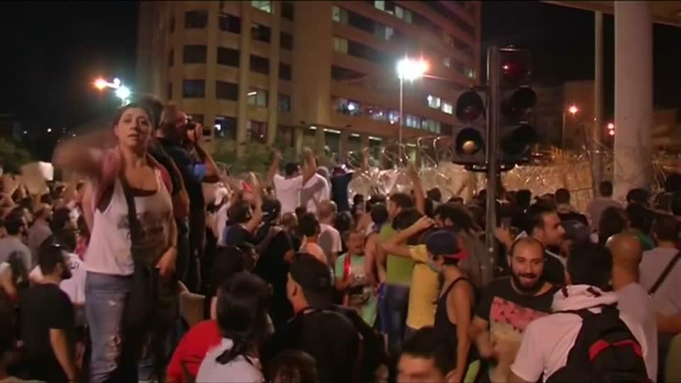 Thousands rally in Beirut against political leaders, rot