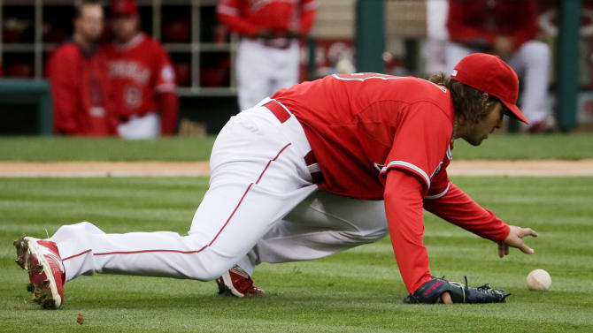 Cron leads Angels' rally past Texas to 3rd straight win, 4-1