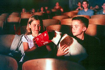 Caitlin Wachs , Frankie Muniz and Skip in Warner Brothers' My Dog Skip (12/99)