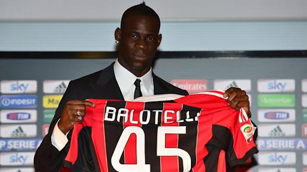 Mario Balotelli - Official presentation Milan 2013 (AFP)