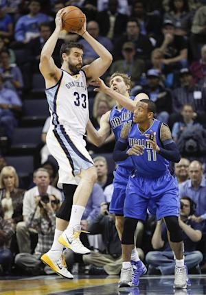 Grizzlies grab 7th seed, beat Dallas 106-105 in OT
