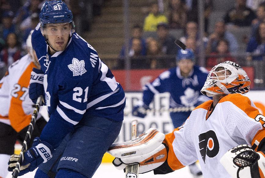 MacIntyre sharp in goal in Leafs' loss to Flyers