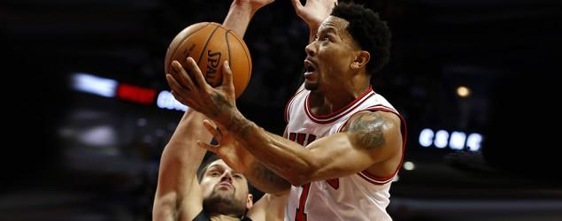 Bulls say Derrick Rose's surgery a success