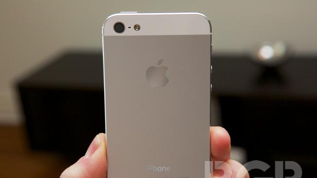 Apple responds to iPhone 5′s camera issues, claims you are taking pictures the wrong way