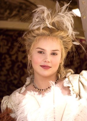 Abbie Cornish as Bess Throckmorton in Universal Pictures' Elizabeth: The Golden Age