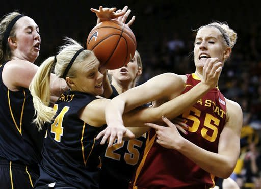 Iowa women beat No. 22 Iowa State 50-42