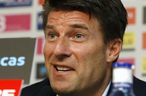 Laudrup furious with referee Mike Dean in Swansea's defeat at Tottenham