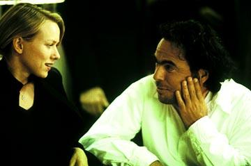 Naomi Watts and director Alejandro Gonzalez Inarritu on the set of Focus' 21 Grams