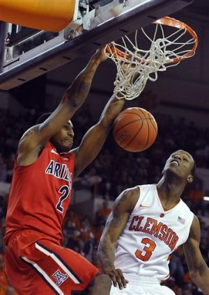 Lyons scores 20 in No. 8 Arizona's 66-54 win