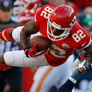 Is Dwayne Bowe a fantasy starter in Week 8?