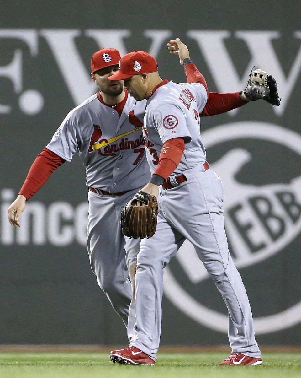 Wacha, Beltran help Cards even World Series 1-all