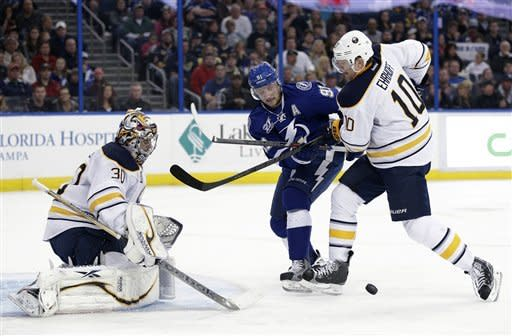 Stamkos, St. Louis send Lightning past Sabres