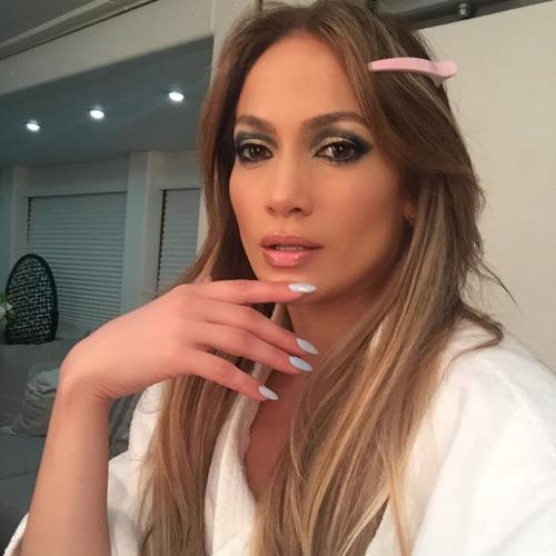 A Day in the Life of J.Lo's Manicurist