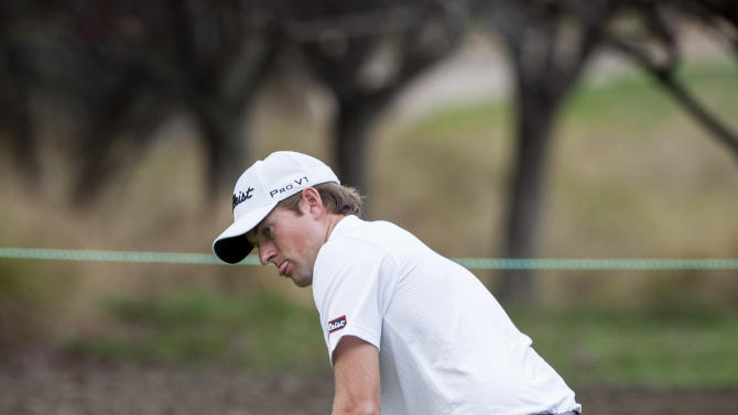 Webb Simpson attempts a put on the first hole during the Pro-Am round of the World Challenge golf tournament at Sherwood Country Club in Thousand Oaks, Calif., Wednesday, Nov. 28, 2012. (AP Photo/Bret Hartman)