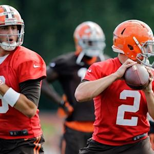 Cleveland Browns quarterback Johnny Manziel participates in Browns' first practice