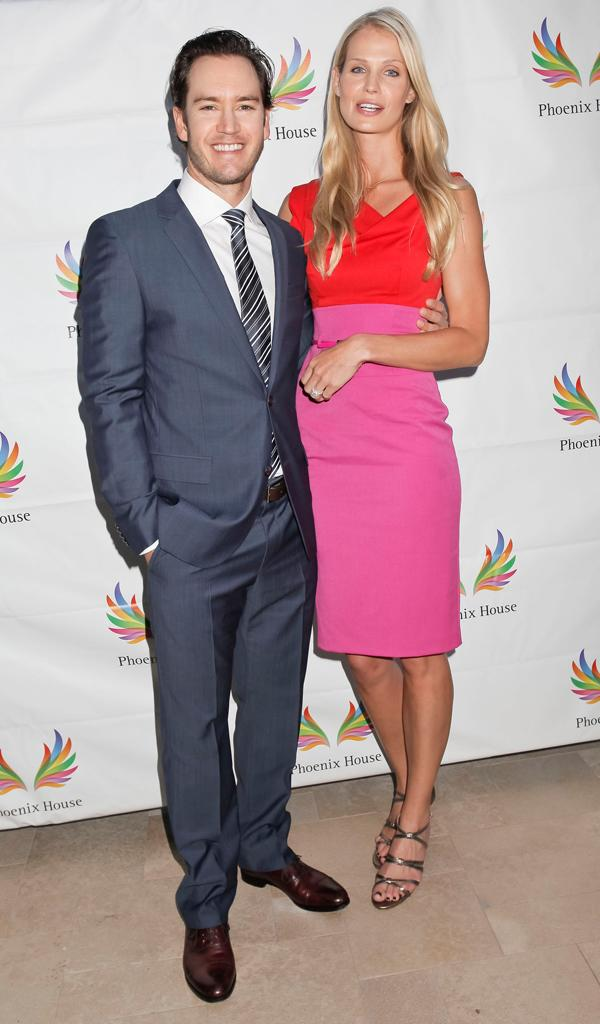 Mark Paul Gosselaar, Catriona McGinn