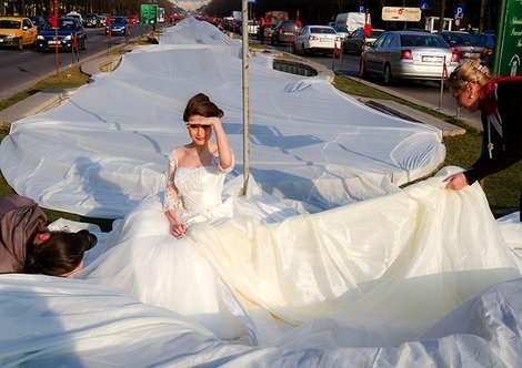Bridal Gown Breaks World Record | Love + Sex - Yahoo! Shine