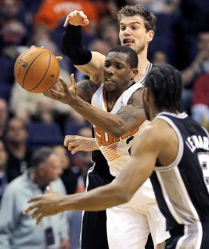 Ginobili, Spurs snap Suns' 5-game winning streak