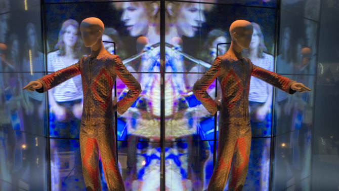 Show at London's V&A museum celebrates David Bowie