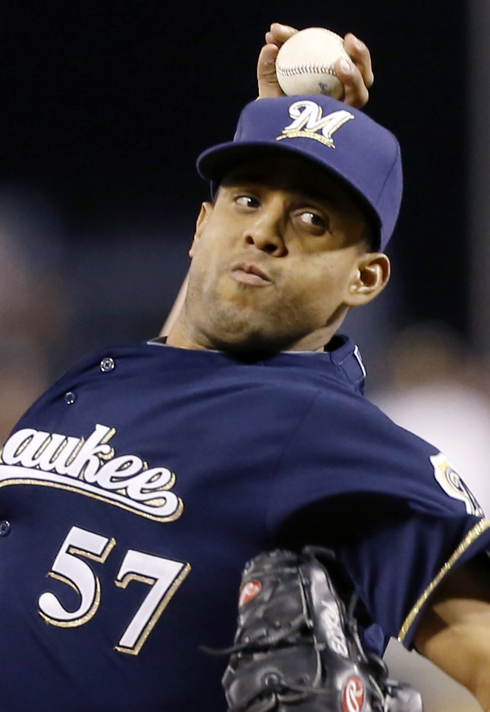 AP source: K-Rod, Brewers agree to $13M, 2-year deal