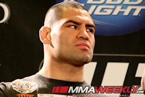 UFC Heavyweight Champ Cain Velasquez Likely to Avoid Surgery