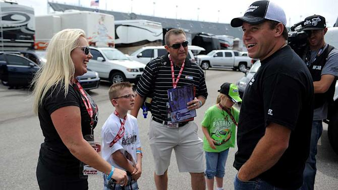 NASCAR honors mother who lost limbs to save kids