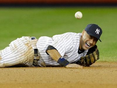 Jeter hurt as Tigers beat Yankees in ALCS opener