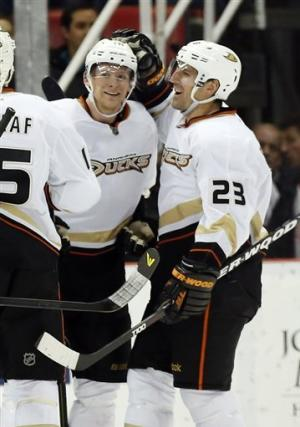 Cogliano scores 2 in 3rd, Ducks beat Red Wings 5-2