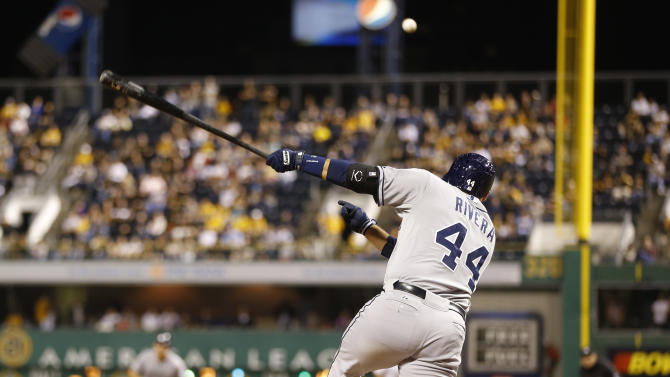 Padres rally past reeling Pirates 3-2