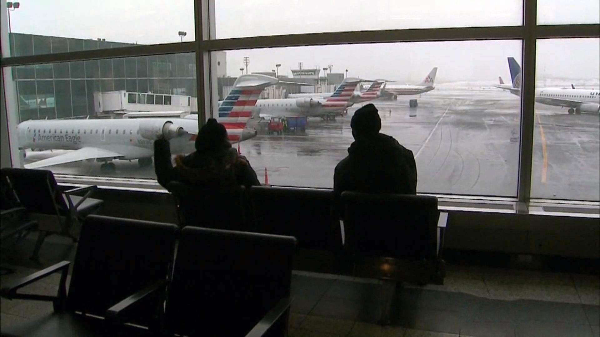 Why do airlines take so much time to return to normal after snowstorms?