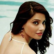 Bipasha Basu Breaks Diet Rules On Birthday!